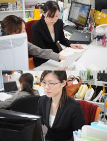写真:麗さんとの打合せ&経理業務